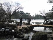 110206徽軫灯籠と霞ヶ池と内橋亭@エコカフェ.JPG