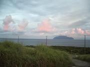 120901御蔵島と夕焼け雲@エコカフェ.JPG