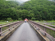130907山の神川に架かる橋@エコカフェ(桧枝岐村).JPG