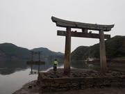 141108和多都美神社海方向鳥居@エコカフェ.JPG
