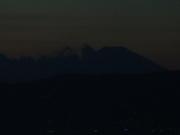 夕闇に浮かぶ富士山@エコカフェ.JPG
