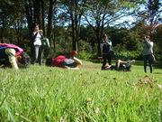 芝生ででんぐり返し@エコカフェ.JPG